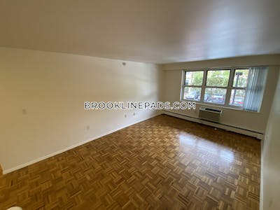 Brookline Apartment for rent 2 Bedrooms 1.5 Baths  Boston University - $2,150 No Fee